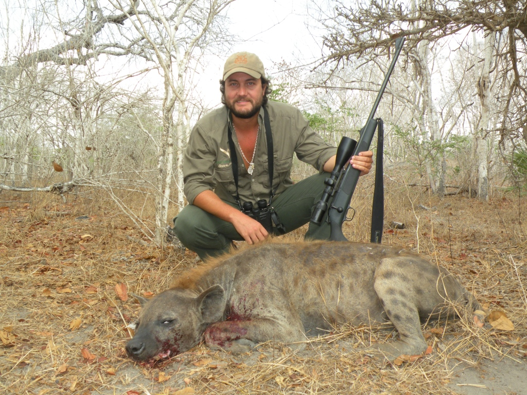 hyena-international-hunting